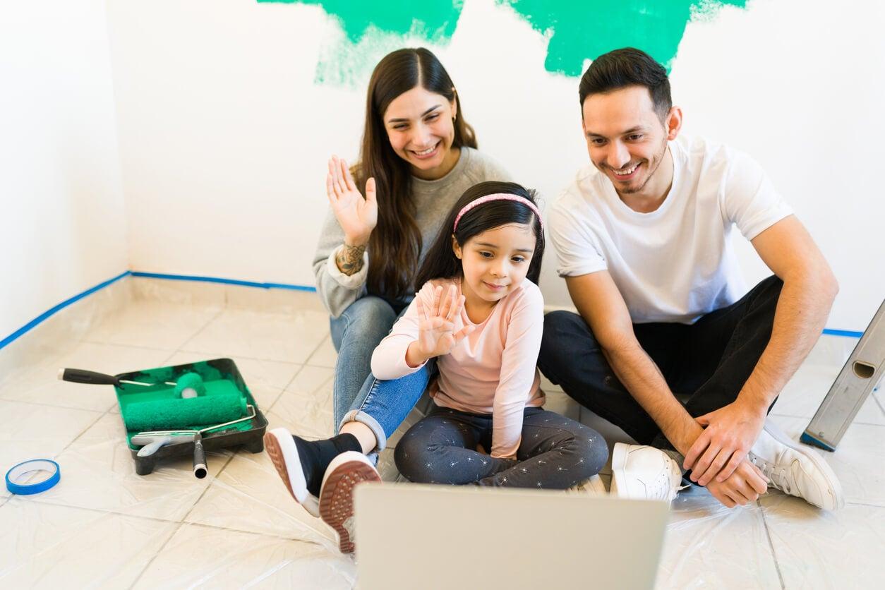 nuevo hogar remodelacion videollamada contacto familiares familia nueva casa mudanza participación apropia