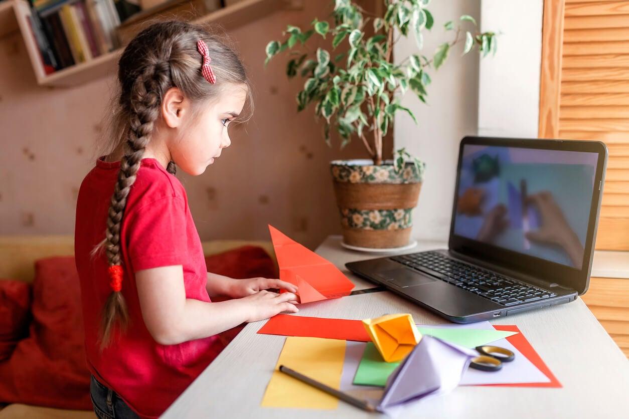 nina nena origami computadora ordenador laptop aplicacion manualidades tutorial en linea desarrollo motricidad psico
