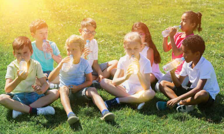 Deshidratación en niños: cómo prevenirla y qué hacer