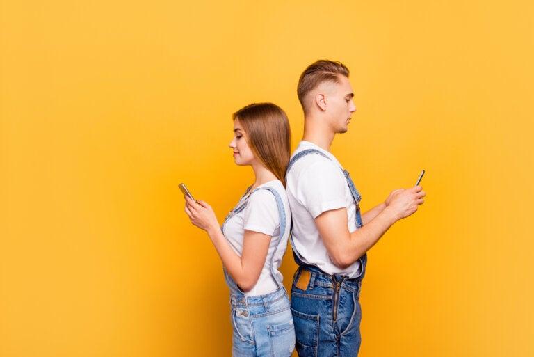 El noviazgo adolescente en la era tecnológica