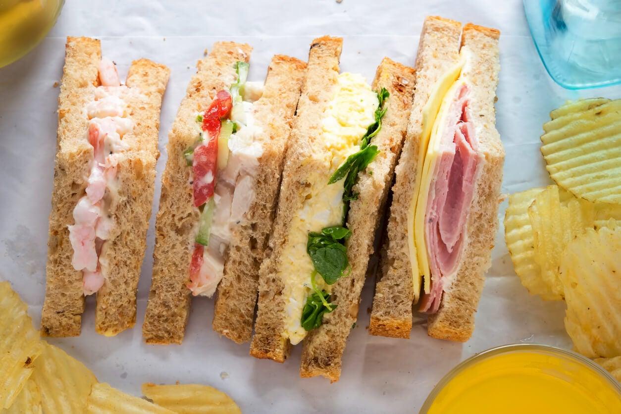 bocadillos jamon queso vegerales pan molde fibra receta picnic saludable rico