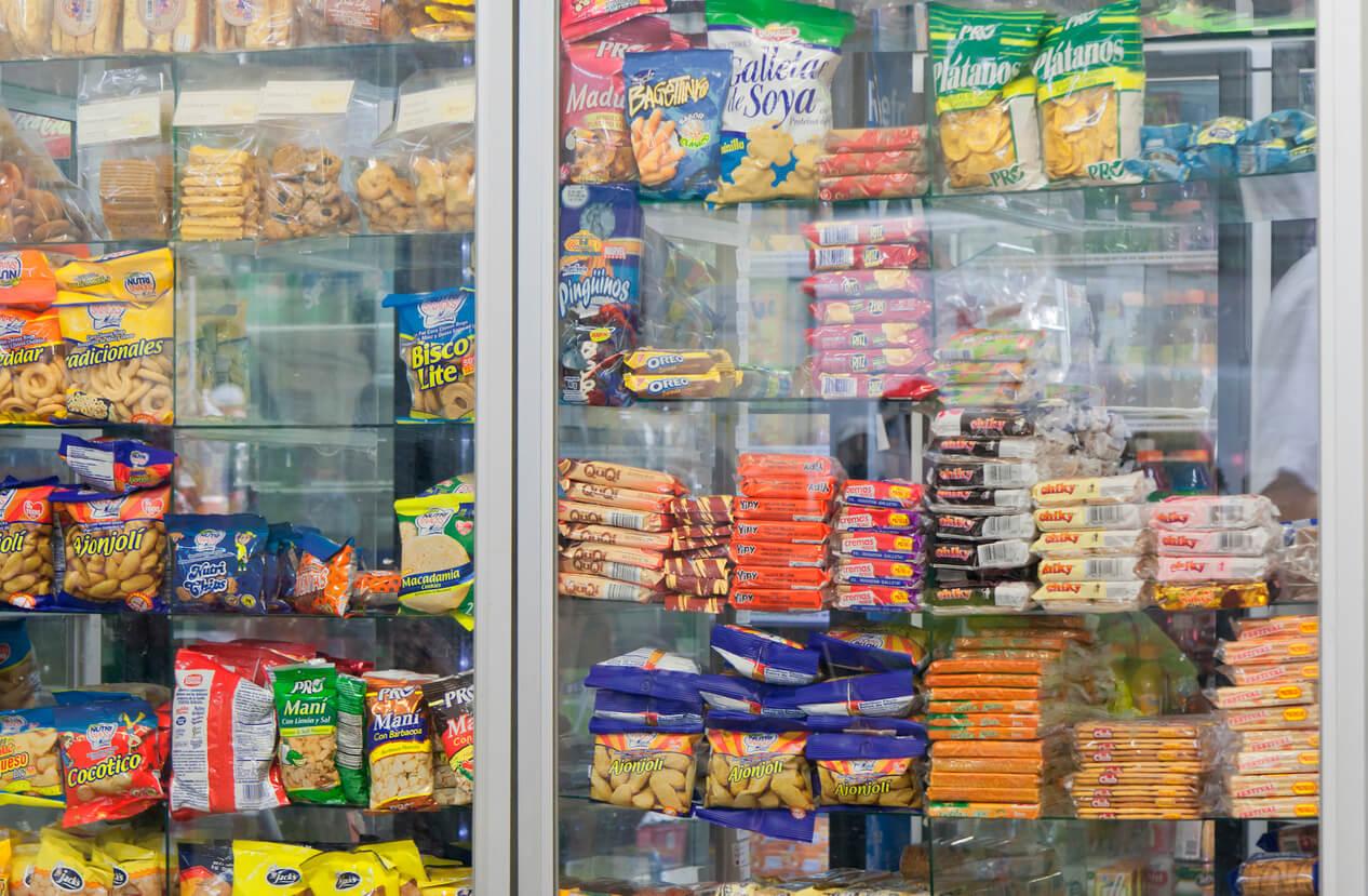 heladera ultra procesados alimentos precocidos supermercado comida basura