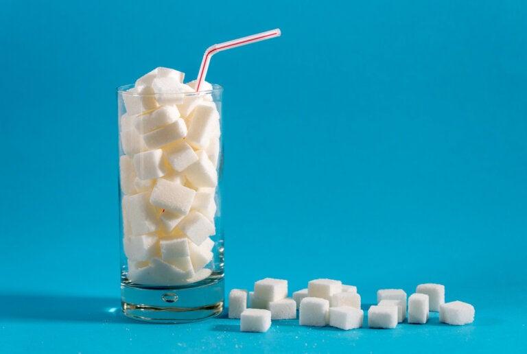 4 alimentos con más azúcar de lo que te imaginas