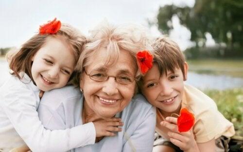 No quiso cuidar a sus nietos y prefirió viajar: ¿es válida o egoísta la actitud de esta abuelita?