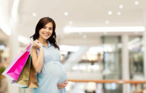 Qué necesitas comprar para la lactancia materna