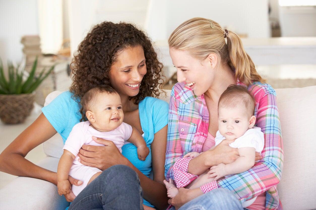 madres red apoyo grupo bebes contencion puerperal