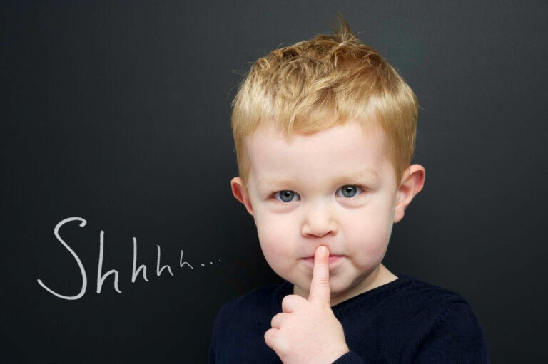 ¿Qué pasa si mi hijo no habla, pero entiende todo?