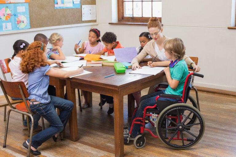 Cómo elegir la mejor escuela para un niño con necesidades educativas especiales