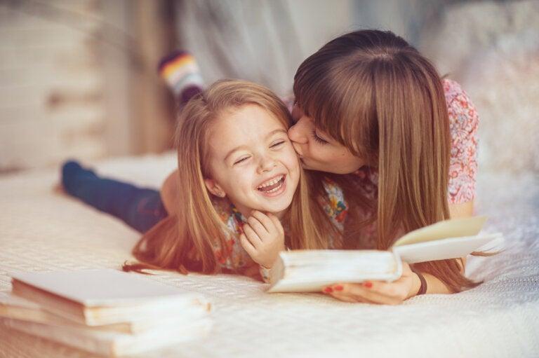 Mamás con mucho trabajo y poco tiempo: 4 hábitos que ayudarán a conectar con tu hijo