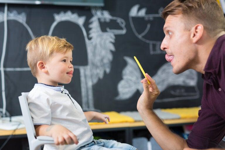 ¿Cómo alargar el frenillo lingual de los niños?