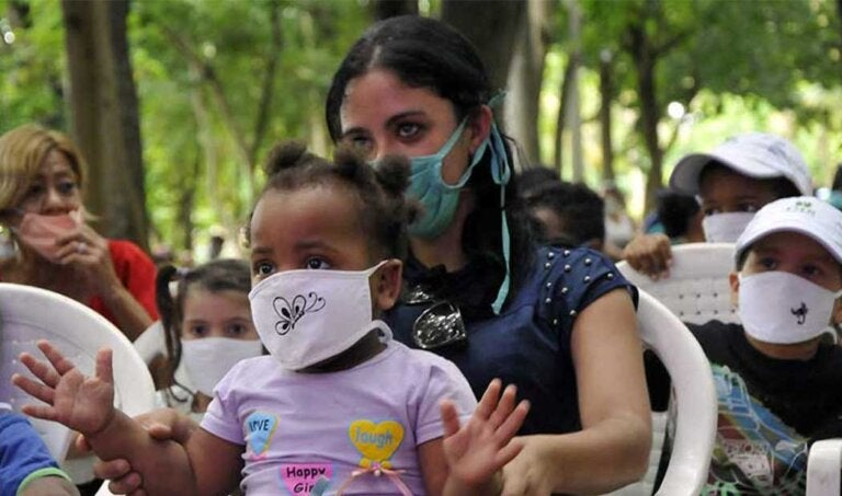 En cuba empezarán a vacunar a niños desde los 2 años y cancelan clases presenciales