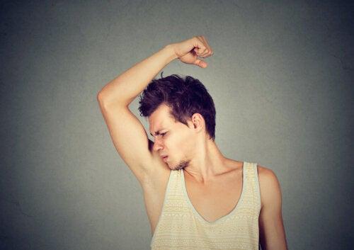 Sudor y olor corporal en la adolescencia: lo que debes saber