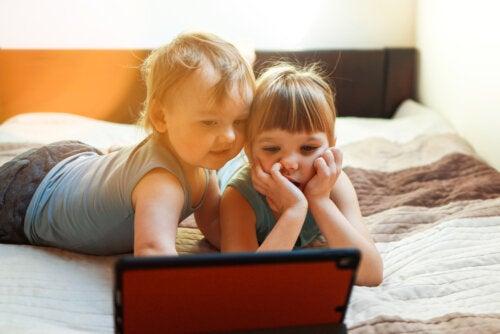 Método para regular el uso de la tecnología en los niños con la regla 3-6-9-12