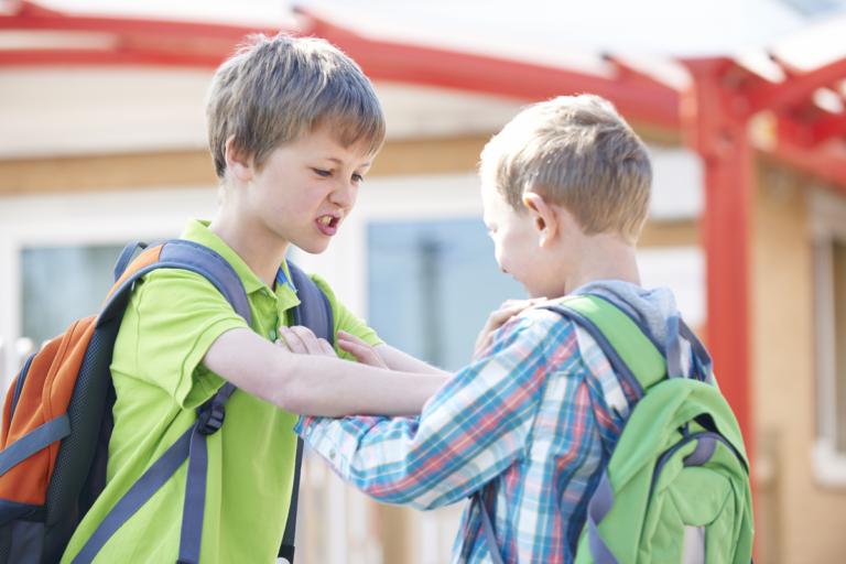 Sin violencia: otra forma para enseñar a los niños a defenderse