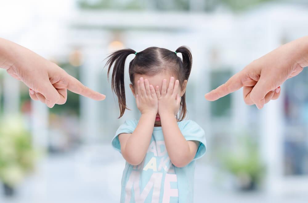 Los señalamientos afectan el vínculo entre madre e hijo.