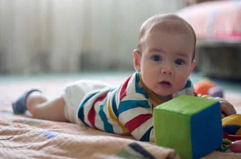 4 ejercicios para fortalecer el cuello de los bebés