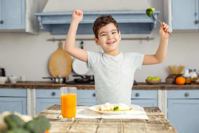 Los 3 nutrientes que no pueden faltar en la dieta de los niños