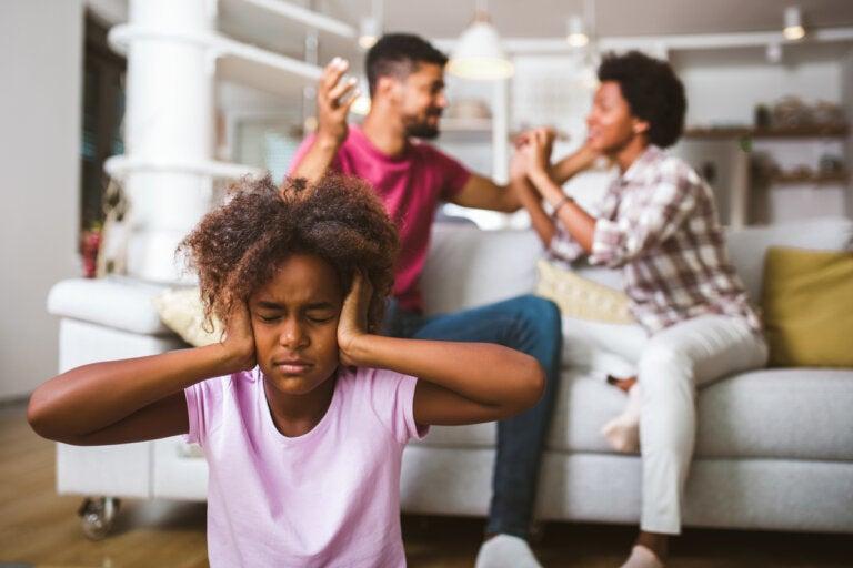 5 malos hábitos de los padres que perjudican a los niños