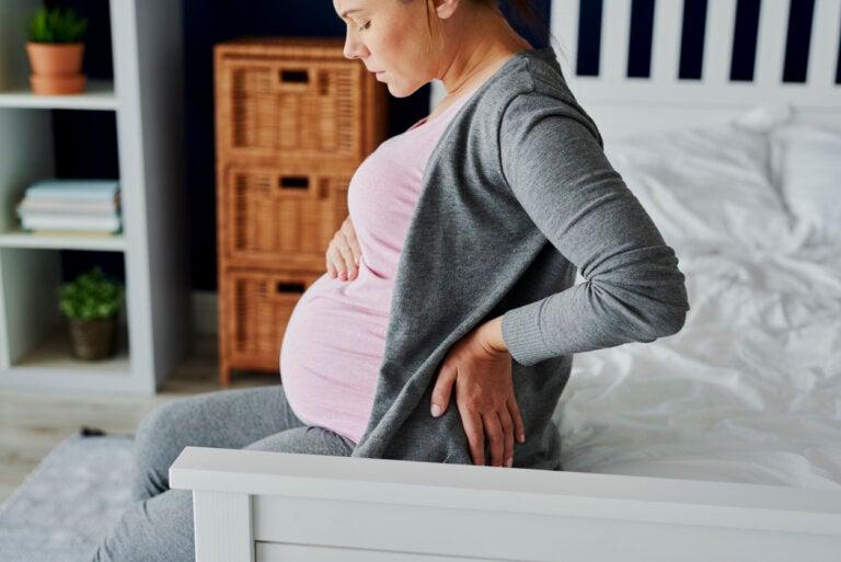 Sacroileítis en el embarazo: síntomas y tratamiento