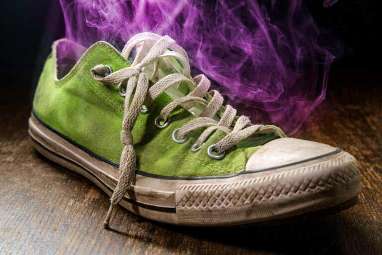 10 remedios caseros para eliminar el mal olor de pies